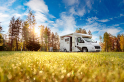 Individuelles Camping und Interieur Customizing ist in